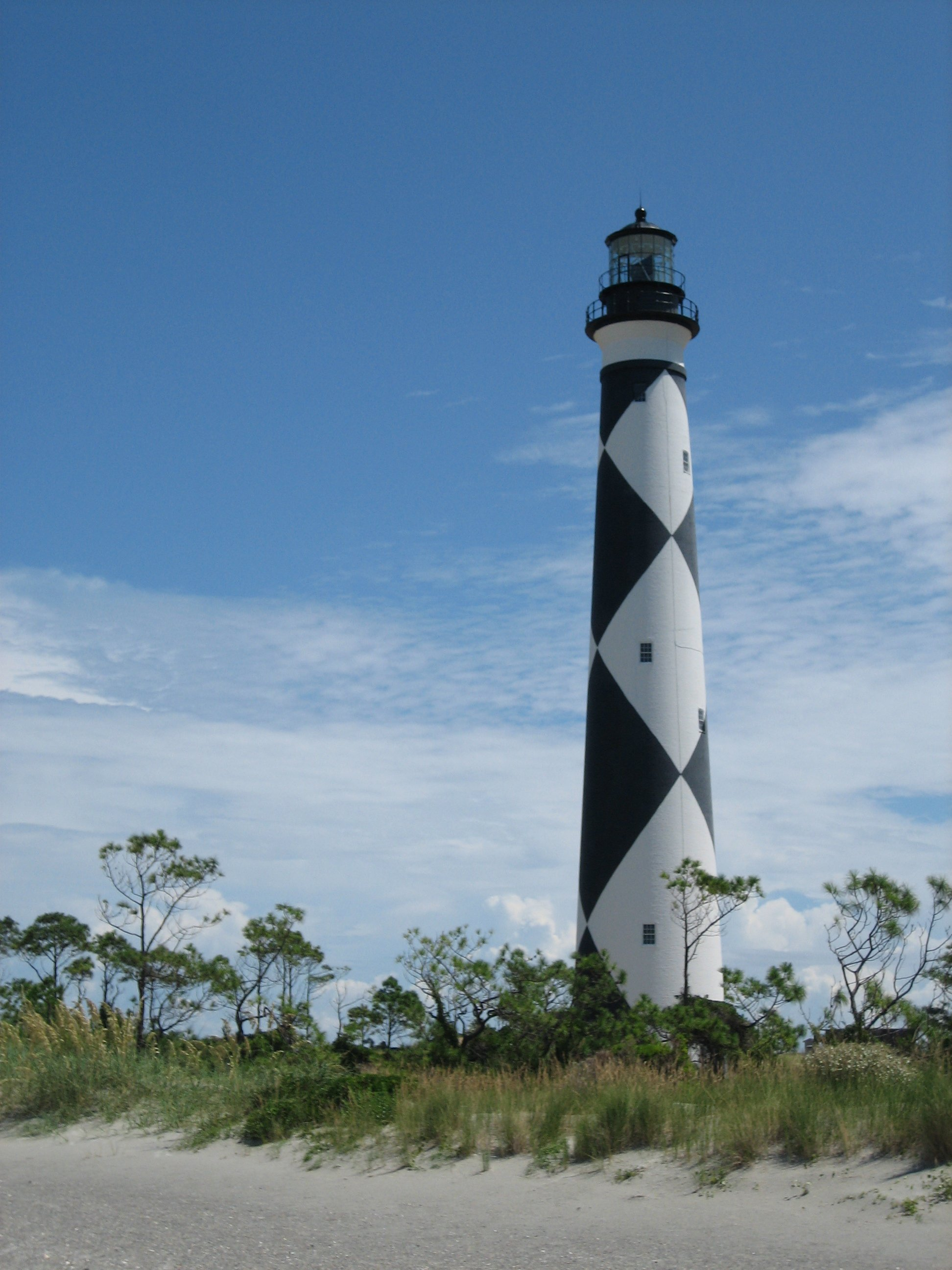 Cape Lookout Lighthouse Photo: BrianDBell- CC by SA 3.0 via Wikimedia Commons