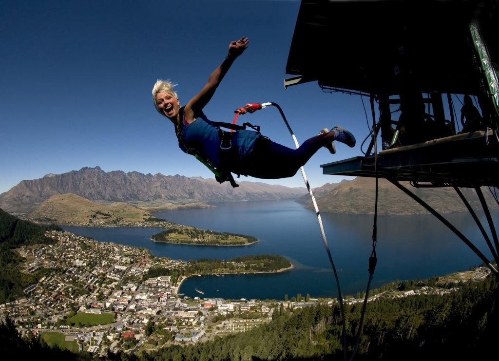 New Zealand adventure Lake Wakatipu, Queenstown. Photo: AJ Hackett Bungy New Zealand/ visuals.newzealand.com