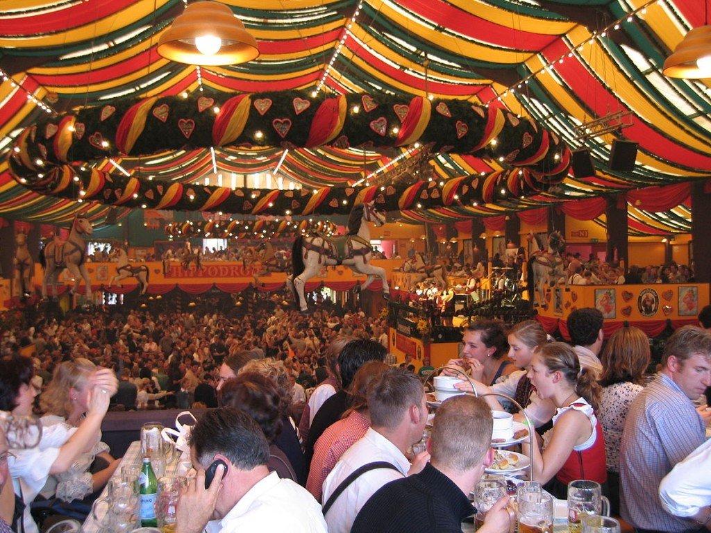 Inside the Hippodrom. Photo: Aschuff/ CC BY SA 3.0 via Wikimedia Commons