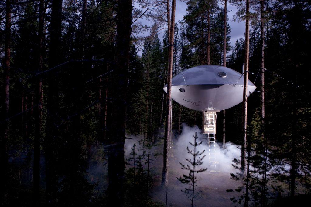 Swedish Treehotel-ufo_exterior3_ - 1024 x 683