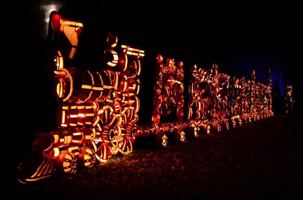 New York Hudson Historic Valley-Jack o Lantern Blaze-Circus Train - 1024 x 678