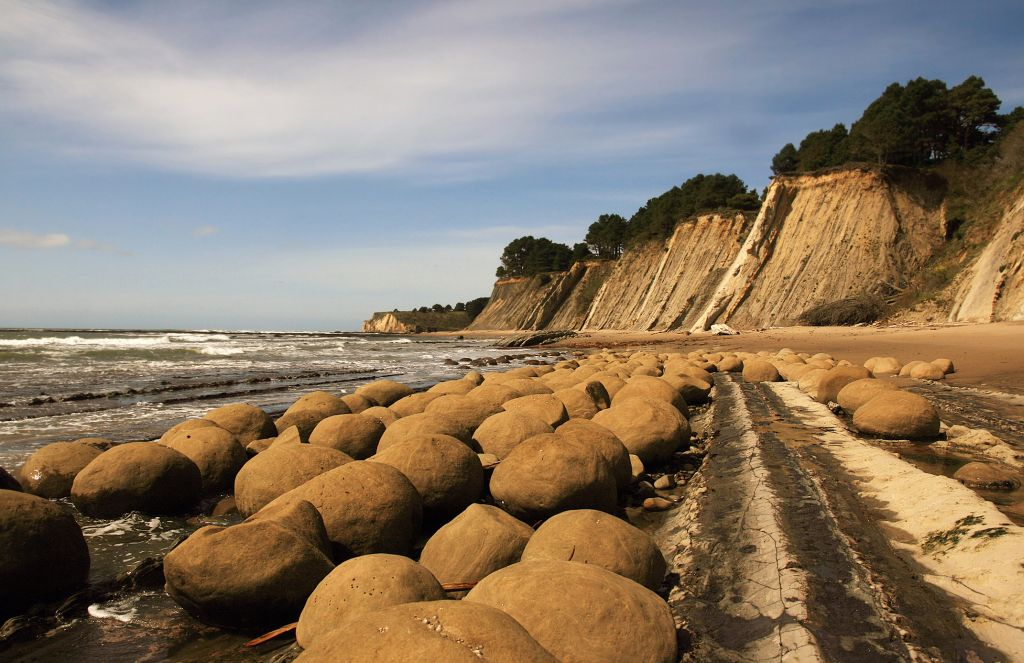 California-Bowling Balls Beach by Brocken Inaglory - CC BY-SA 3.0 via Commons