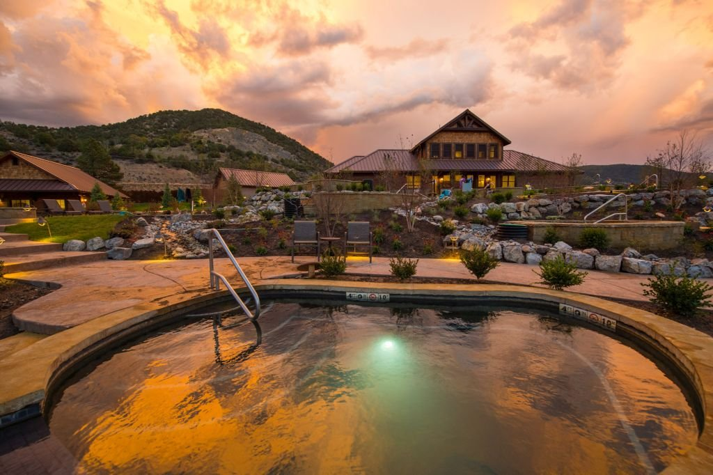 Iron Mountain Hot Springs in the evening - 1024 x 682