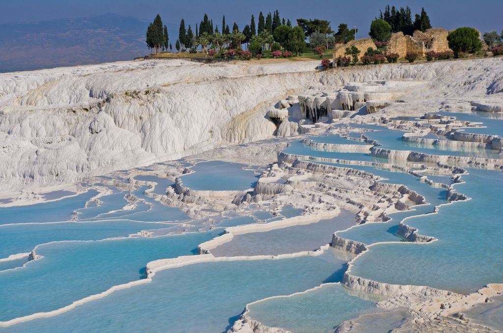 Turkey-Pamukkale-By Antoine Taveneaux via Wikimedia Commons