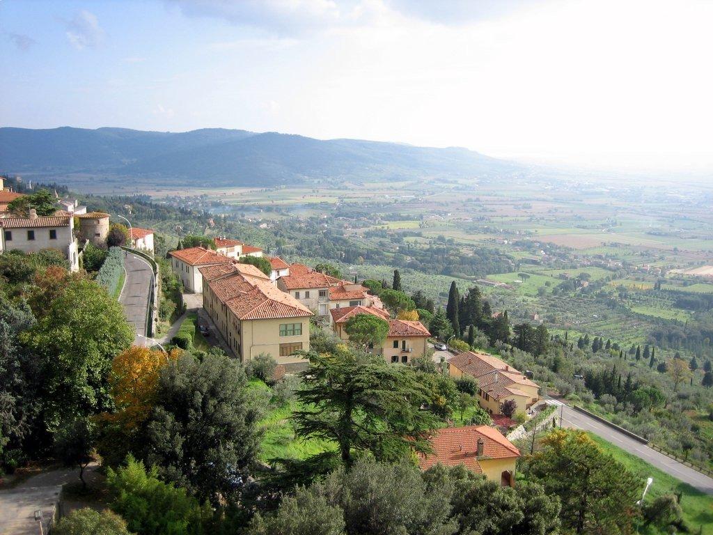 Tuscany villages Photo: Craig Wyzik via Flickr