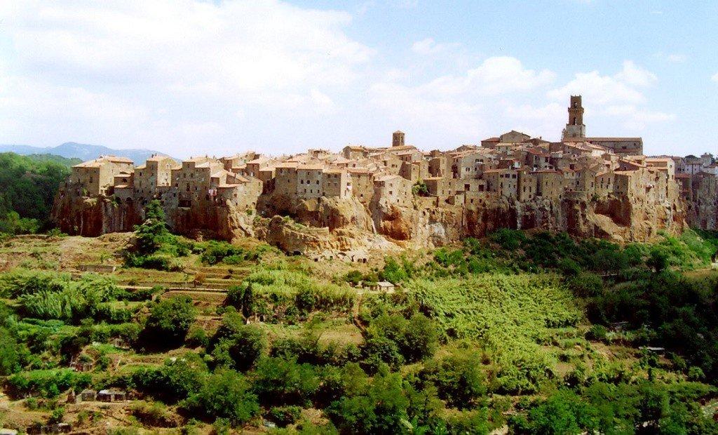 Tuscany villages Photo: gari.baldi via Flickr