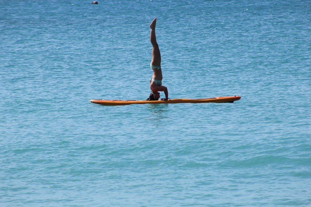UK Lizzie Carr paddleboarding