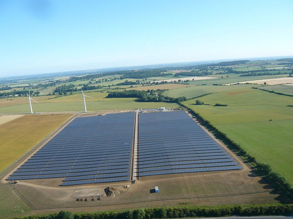 The community-owned Westmill Solar Park in South East England Photo: Neil Maw via Wikimedia Commons