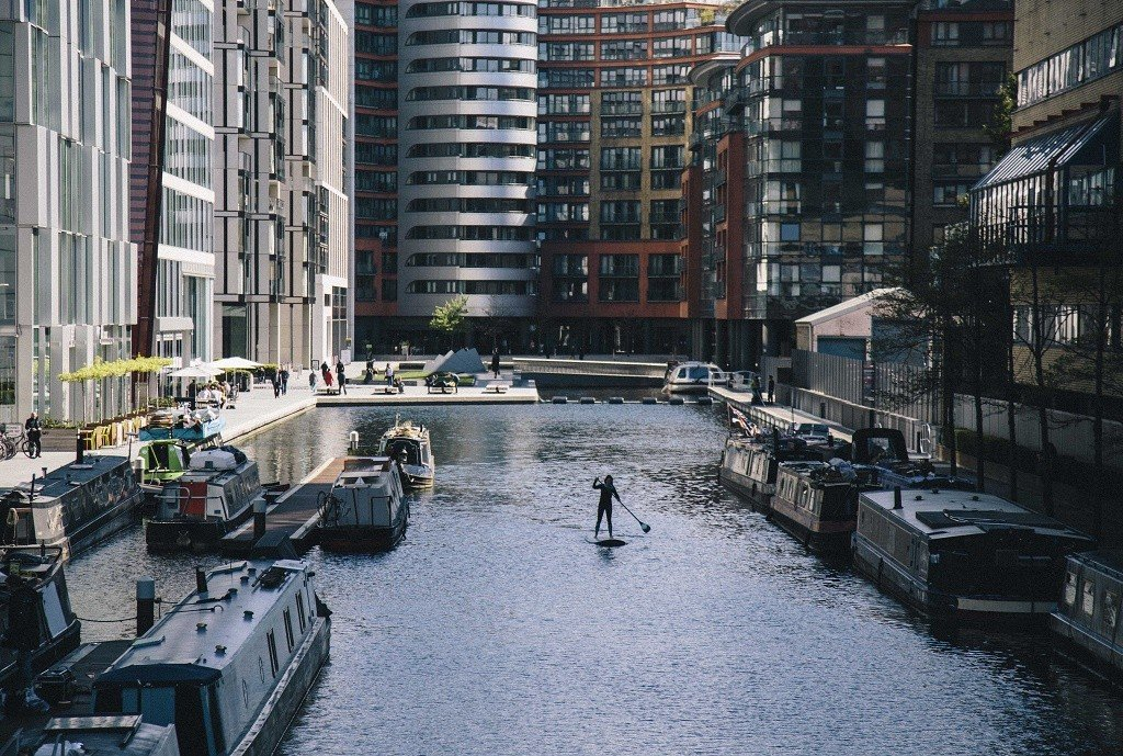 UK lizzie paddleboards Paddington Basin, London
