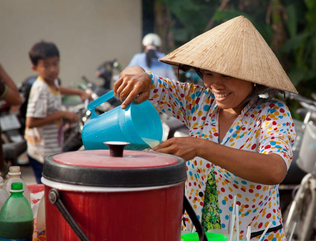 vietnamese-market-lady - 1024 x 782