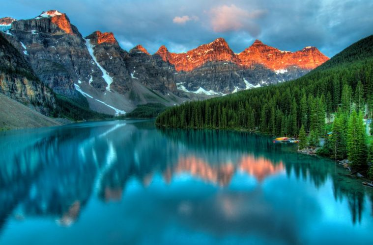 One of the most beautiful (and photographed) lakes in Canadian Rockies Moraine Lake.