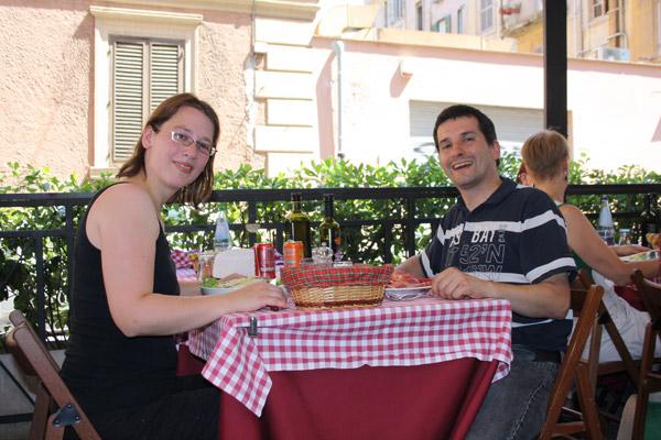 Eating at the cafeteria- Photo by Angelina van Kemenade