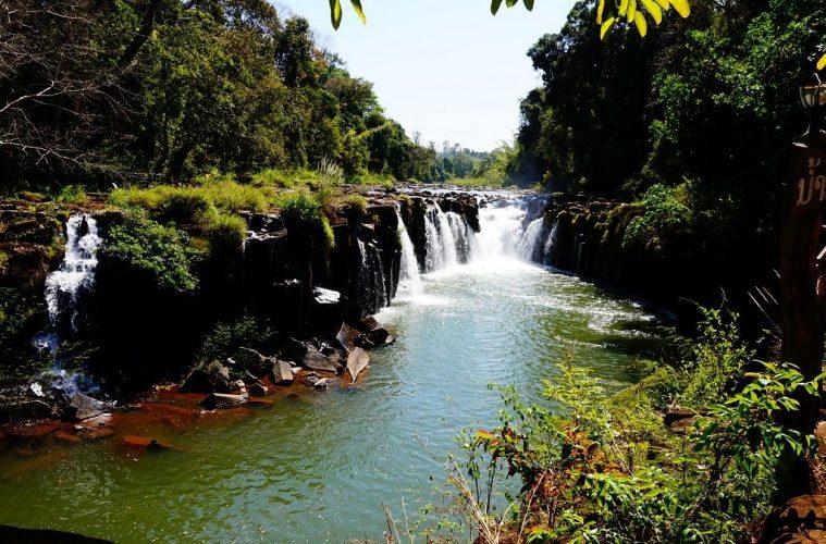 Tad Pasuam waterfalls, Laos