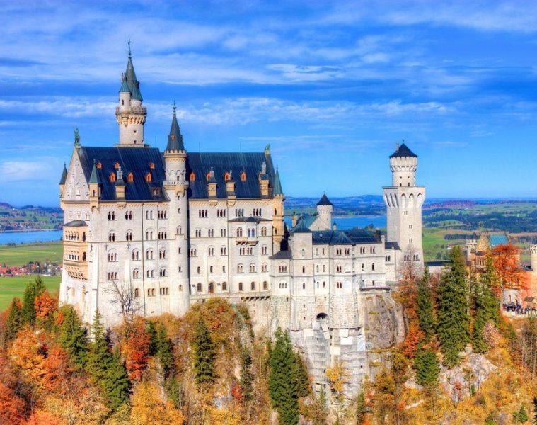 neuschwanstein-castle-fall-1024-x-683