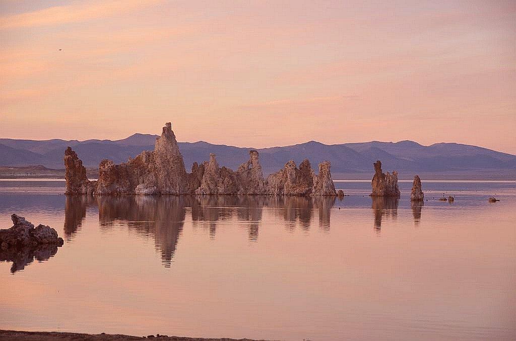 mono-lake-tufas