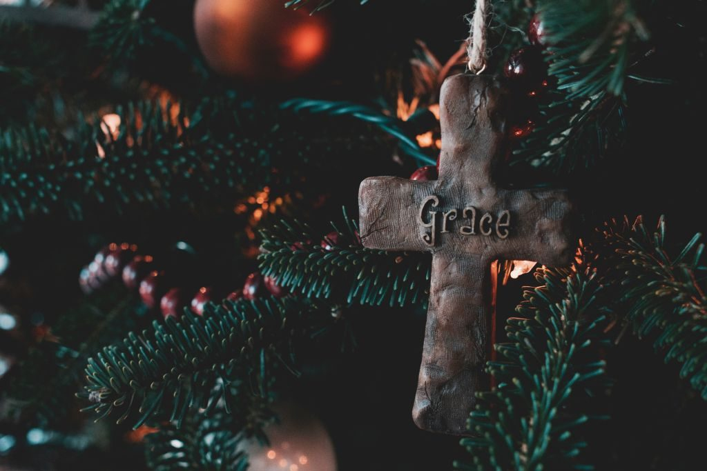 give back this holiday season greg-weaver via unsplash - 1024 x 683