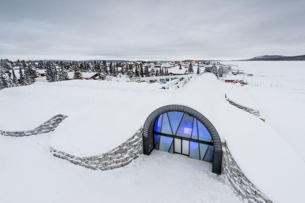 Entrance, Icehotel 365. Photo: Asaf Kliger