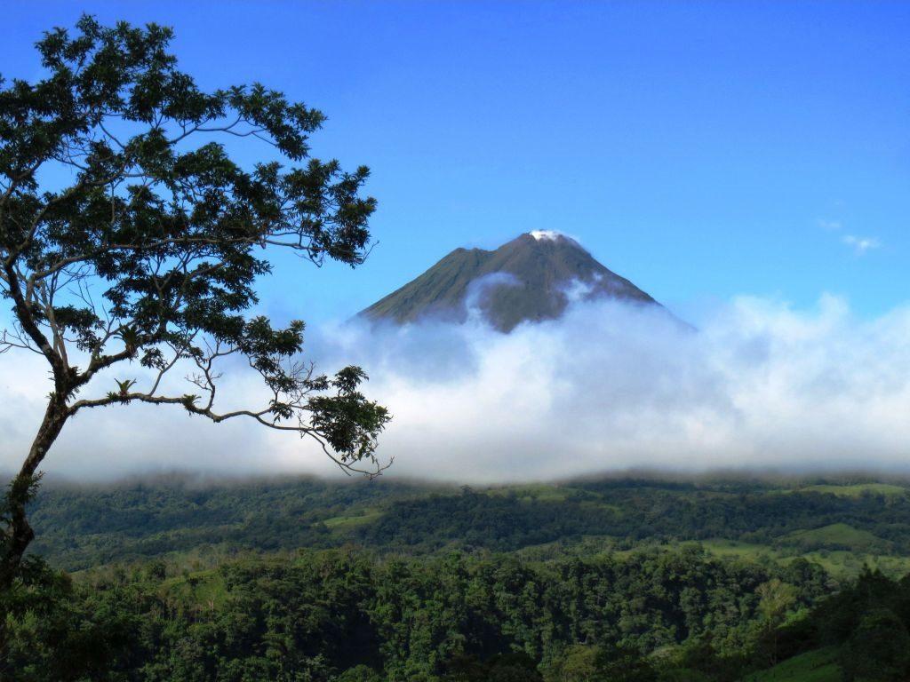 Volcano_Arenal_Costa_Rica_