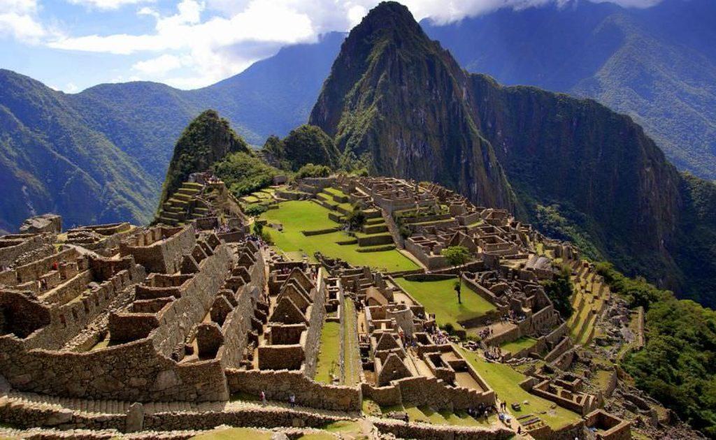 peru-machu-picchu-landscape-ruins - 1024 x 630