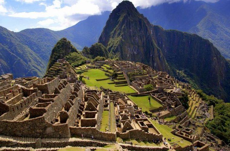 peru-machu-picchu-landscape-ruins - beautiful travel destinations