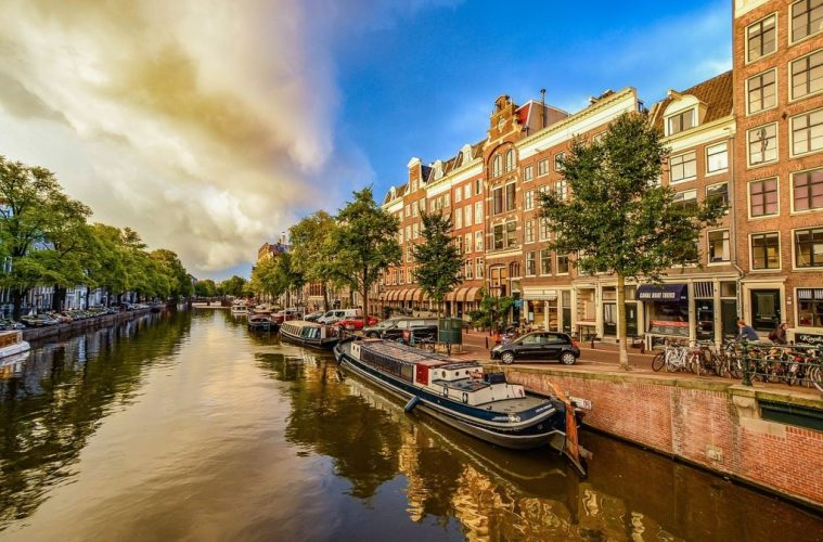 5 Dutch Experiences you simply cannot miss in Amsterdam
