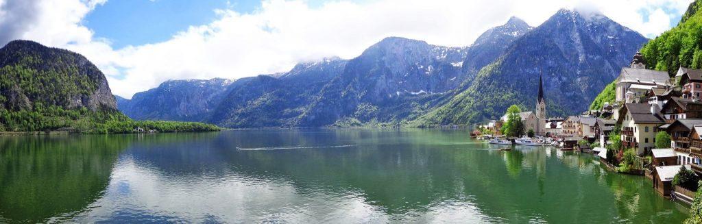 hallstatt lake panorama
