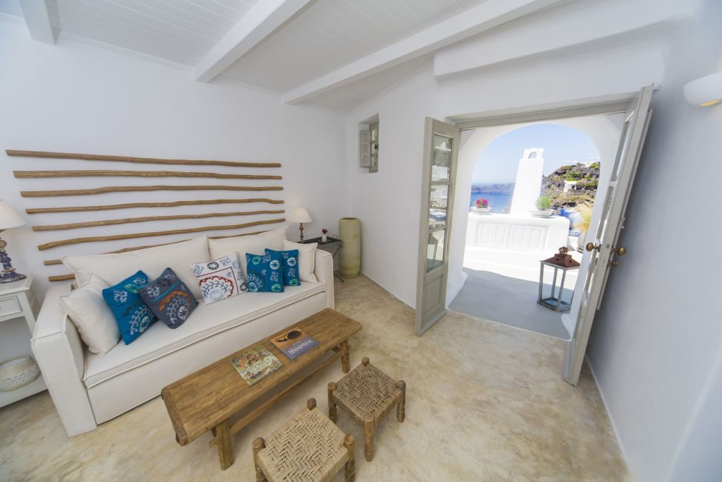 Cycladic Suite - Lounge & Views