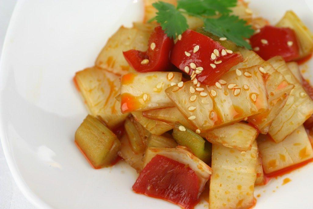Spicy pickled vegetables