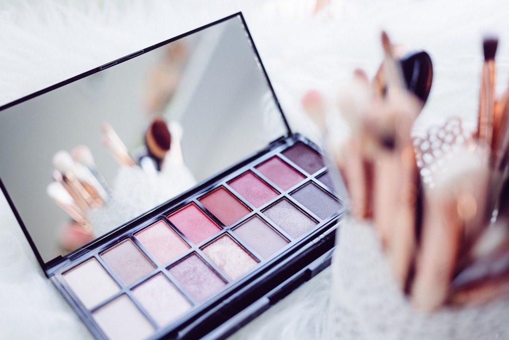 diy make up and beauty hacks