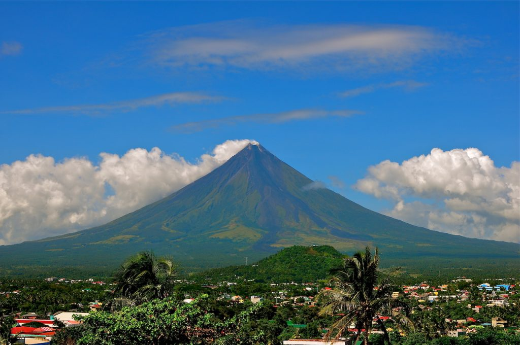 Mayon Volcano during daytime