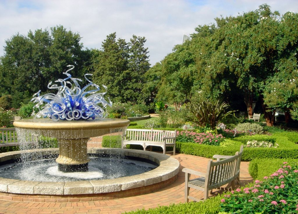 11 most stunning botanical gardens in america for Botanical gardens atlanta lights