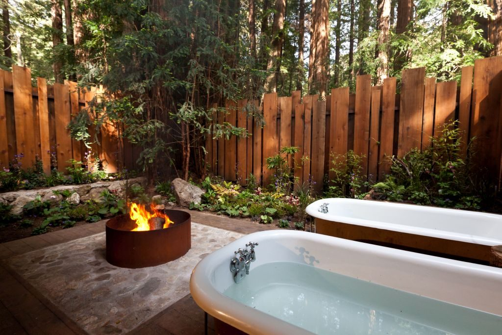 Outdoors Fireplace and Soaking Tub