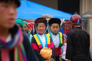 travel vietnam Meo Vac Market