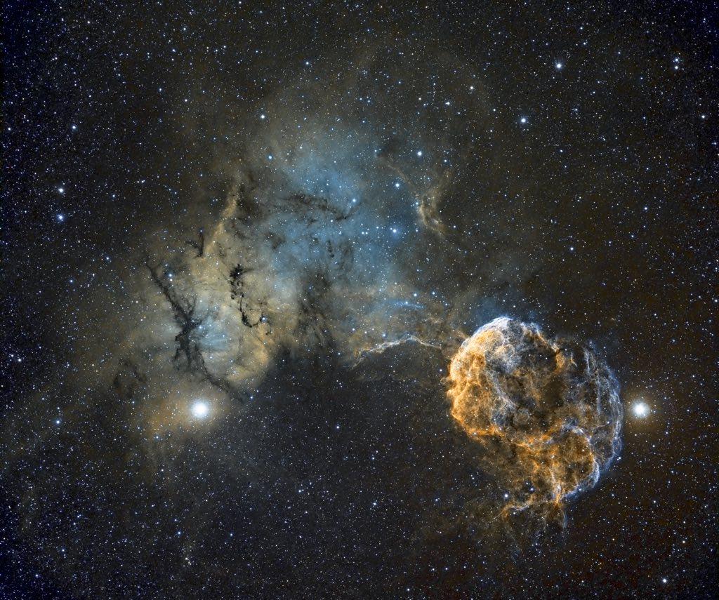 Sh2-249 Jellyfish Nebula © Chris Heapy