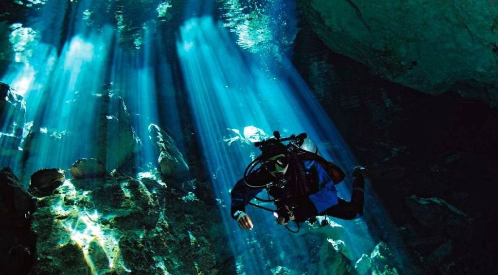 cenotes diving mexico