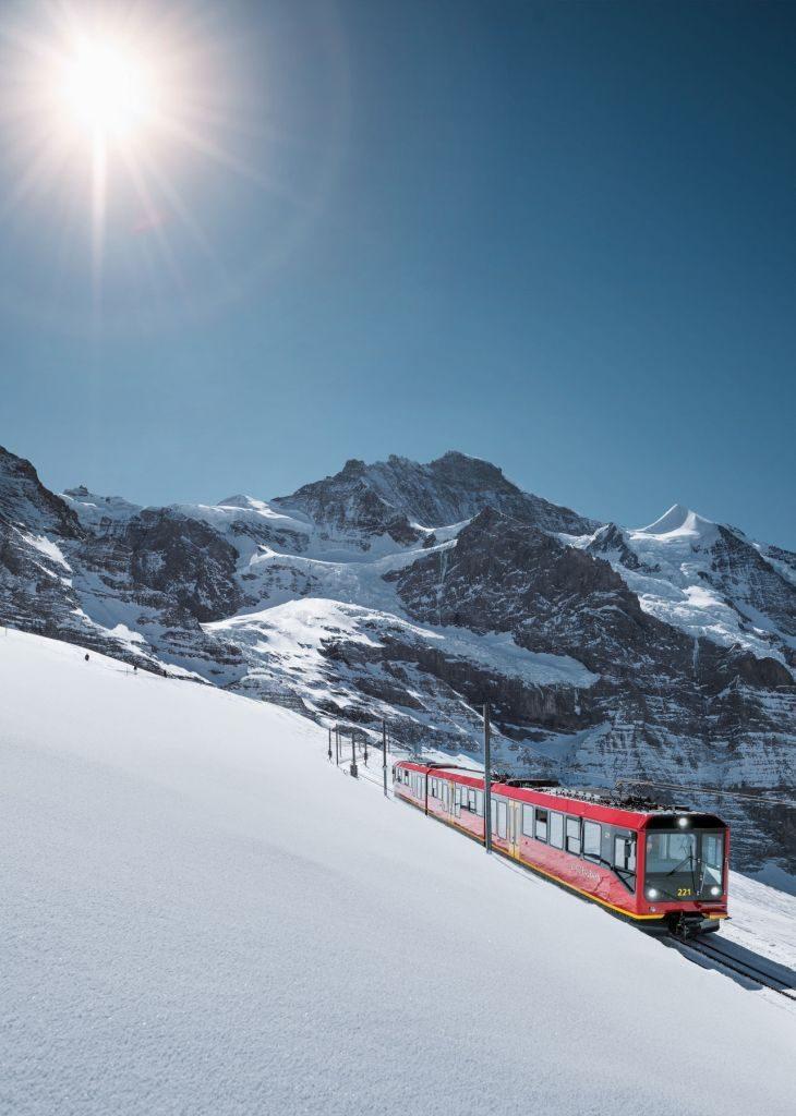 jungfraubahn-jungfrau-silberhorn-winter - 730 x 1024