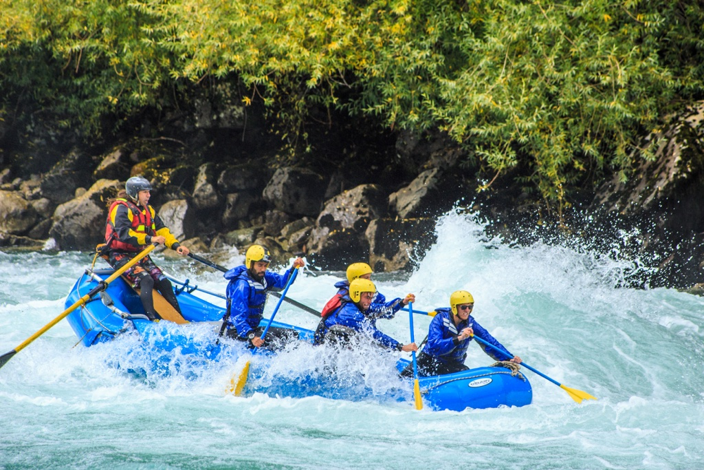 rafting futaleufu river chile adventure