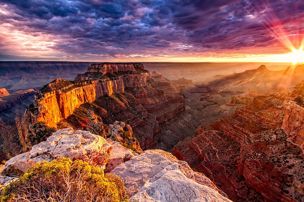 Top 7 Canyons to Explore in America for Your Next Hiking Trip