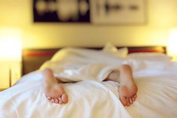 Sleeping feet daylight saving time