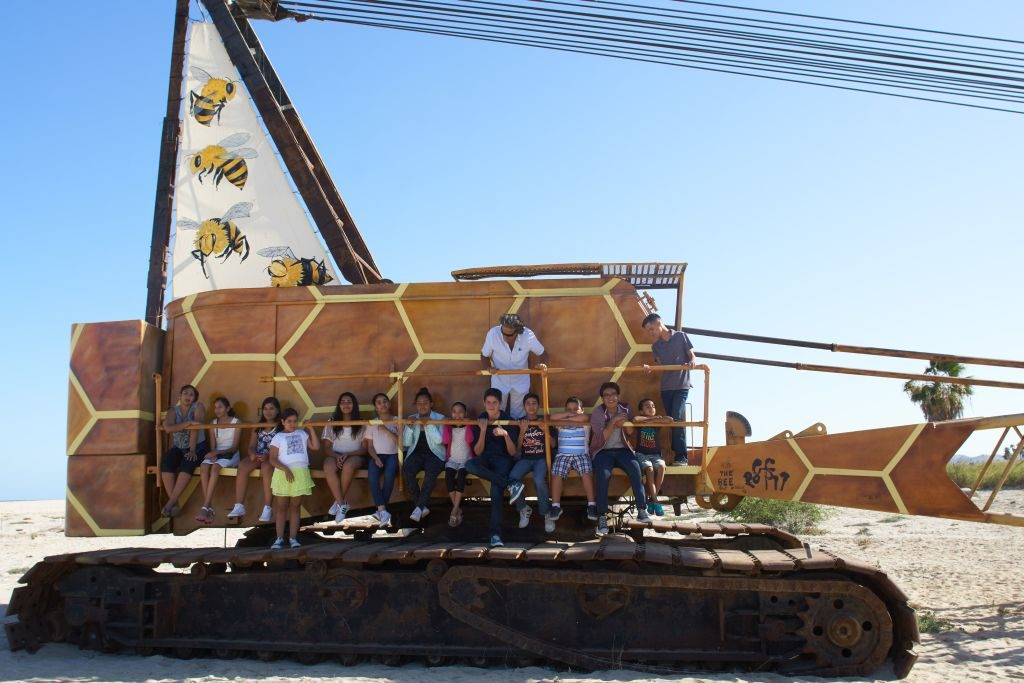El ganzo Bee Optimistic