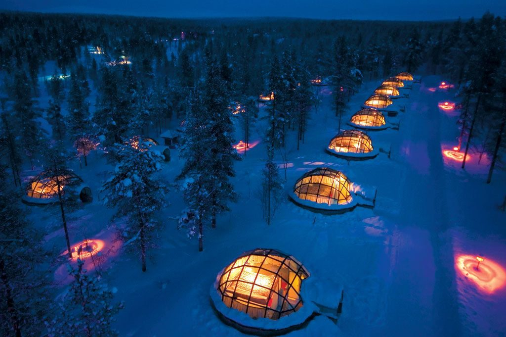 romantic-winter-getaways-glass-igloos-kakslauttenan-arctic-resort