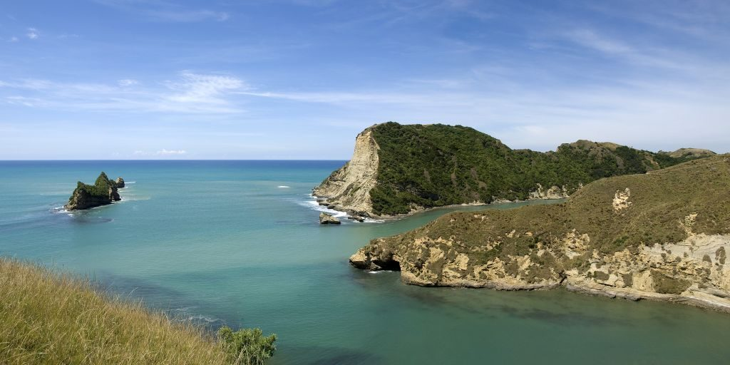 pourewa island-gisborne-new-zealand-romantic-vacation-winter