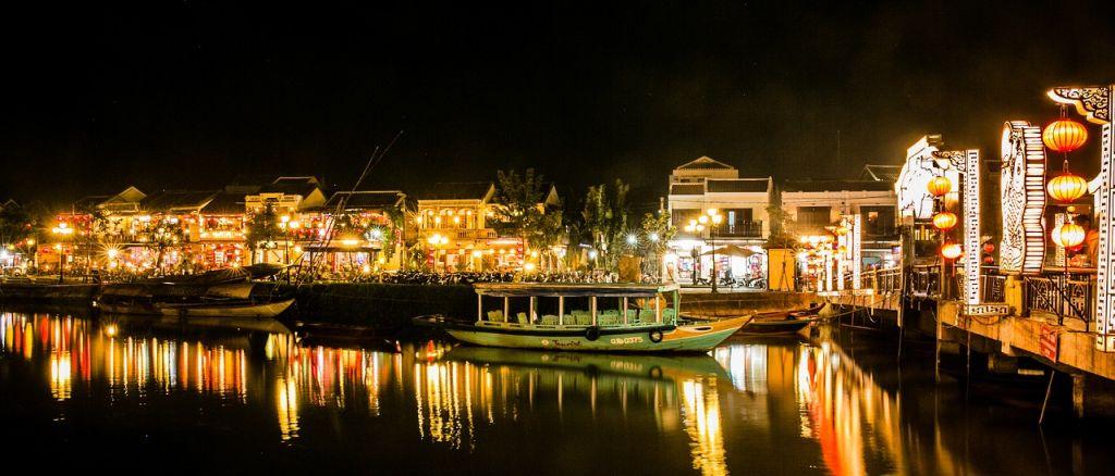 hoi-an, vietnam night market