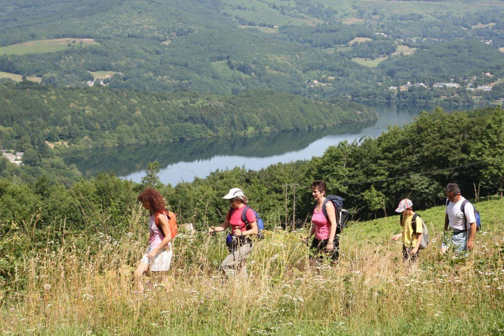Tarn france Randonnee Entre amis lac_Monts de Lacaune © L. Frezouls - 1024 x 683