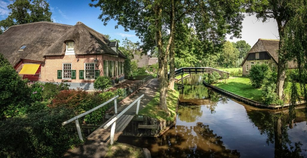 Giethoorn is one of the most serene canal cities you can visit.