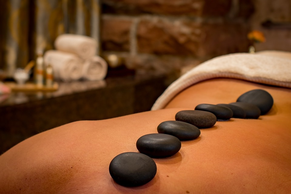 Hot stone massage wellness tips