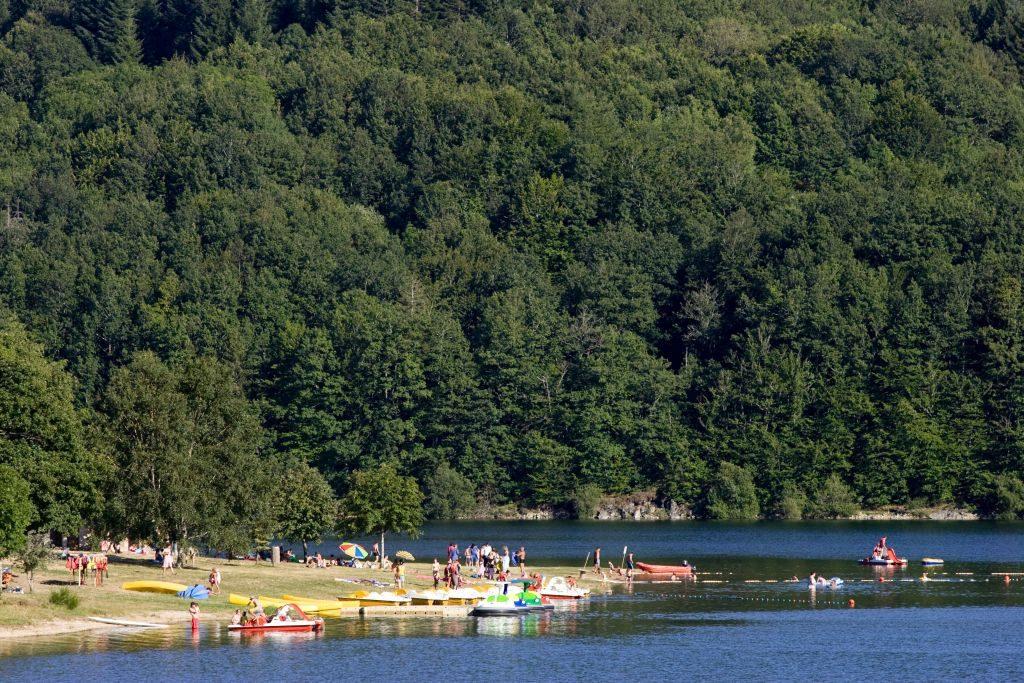 tarn france Plage Lac du Laouzas_Nages © L. Frezouls - 1024 x 683