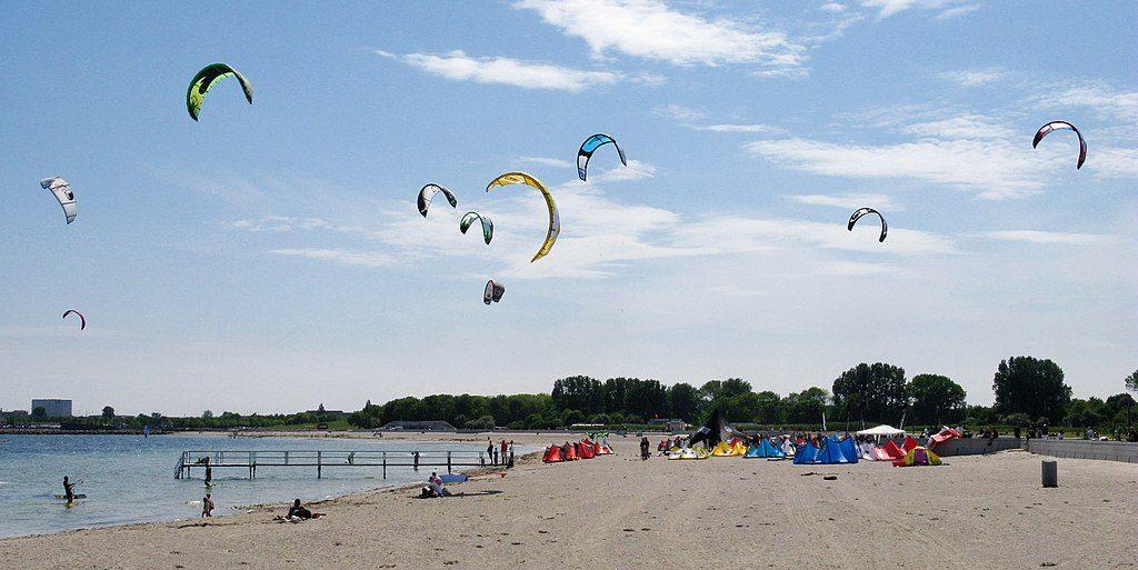 Amager Strandpark kite surfers denmark