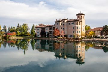 Broadmoor Hotel classic hotel experience