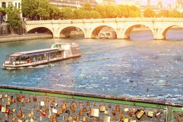 Plastic pollution SEINE paris